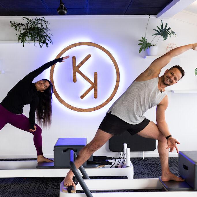 Reformer Pilates Side angle lunge